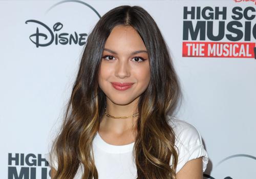 Olivia Rodrigo, la stella del pop che ha superato Ariana Grande